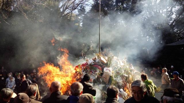 葬儀とマナー《お焚き上げ》浄火によってお清め
